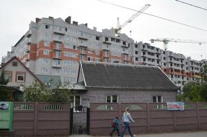 Власти обещают остановить застройку малоэтажных районов высотками