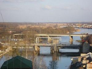 Высокий мост закрылся на ремонт до мая 2017 года